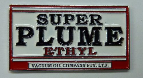 Plume Super Ethyl Badge