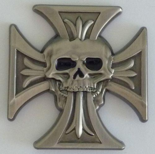 Cross with speared Skull Badge